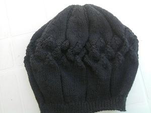bonnet femme façon bérêt tricoté main