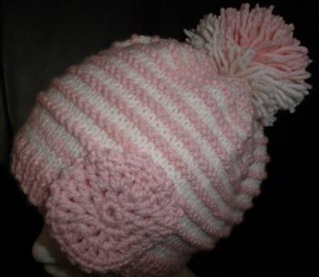Création bonnet fille rose et blanc avec pompon et fleur