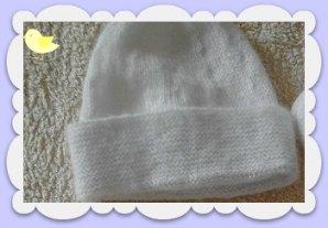 création bonnet naissance point mousse
