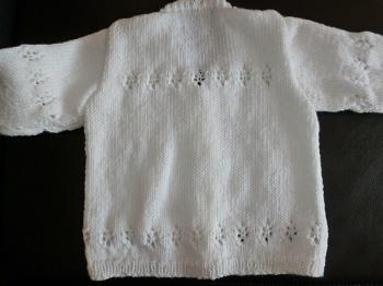 veste blanche bébé, tricotée main point fantaisie