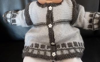 Création veste bébé en deux gris différents